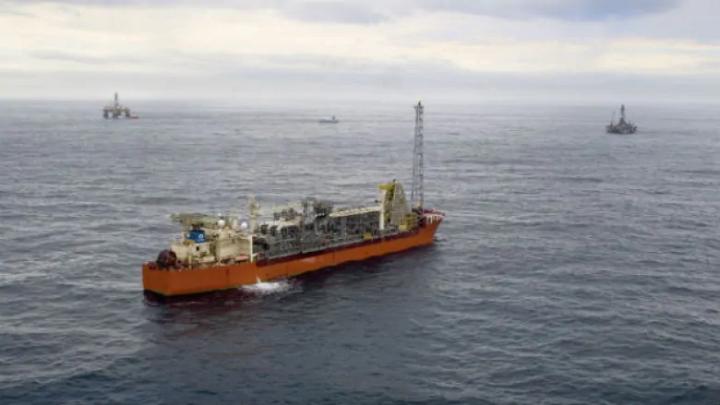 加拿大海岸附近石油泄漏估计达25万升,规模创加国纪录