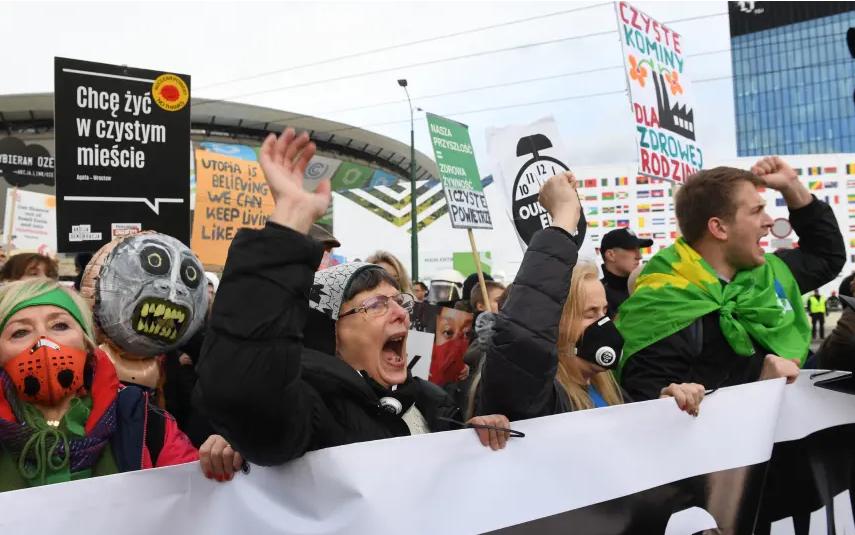 波兰政府禁止气候倡导者进入波兰,侵犯人权并破坏全球气候谈判