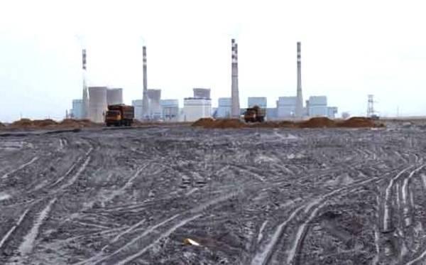 加强燃煤电厂贮灰场安全监管,督促电力企业强化贮灰场巡视检查和隐患排查治理
