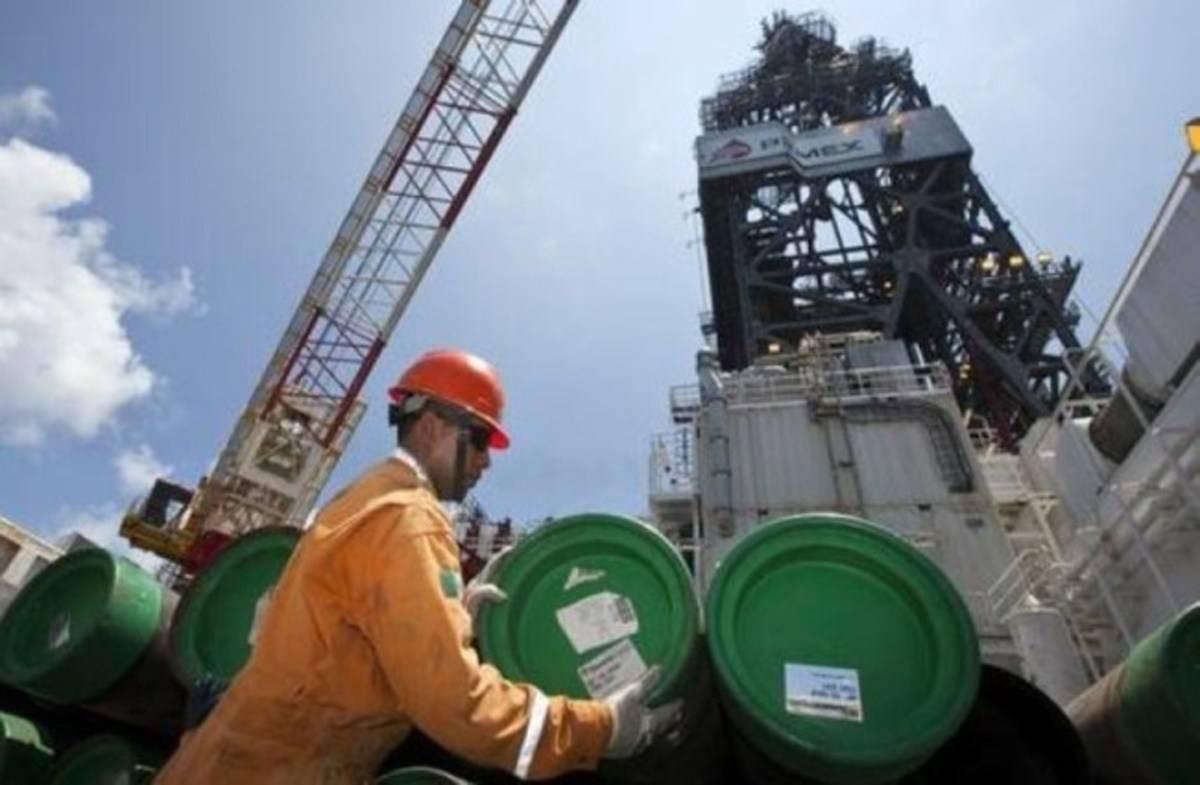 墨西哥油气产量大幅下降  石化工业发展受阻