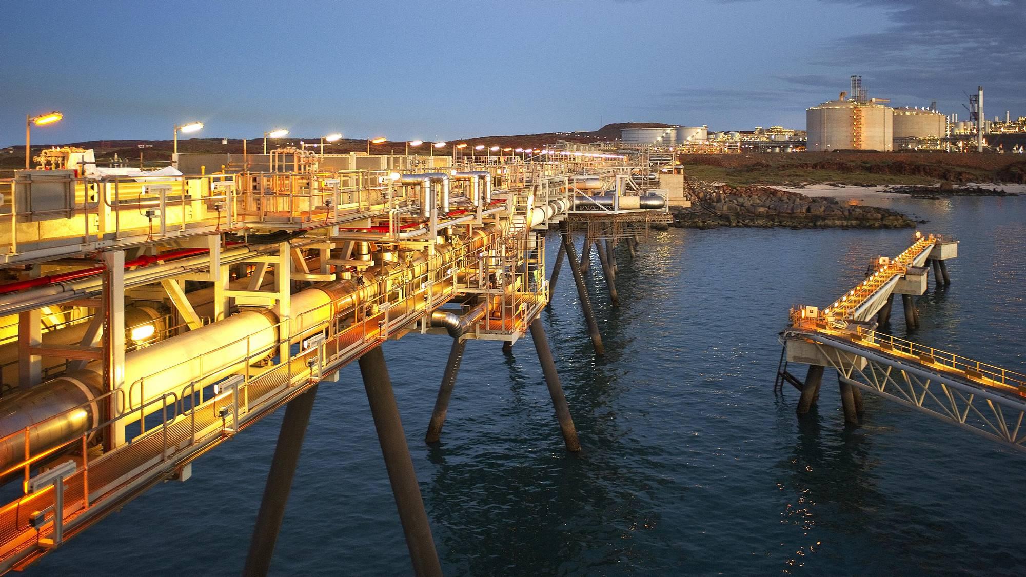 美国企业Bechtel 为澳大利亚伍德赛德石油企业建造第二条LNG生产列车
