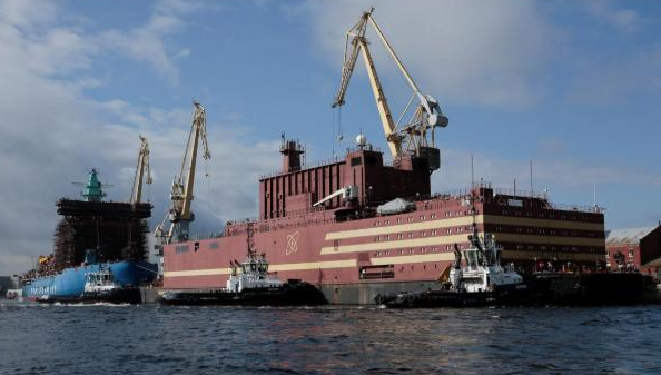 俄罗斯首个海上核电站抵达北极 世界首创!