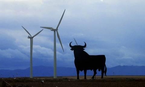2019年预计西班牙将新增8GW风电和光伏装机