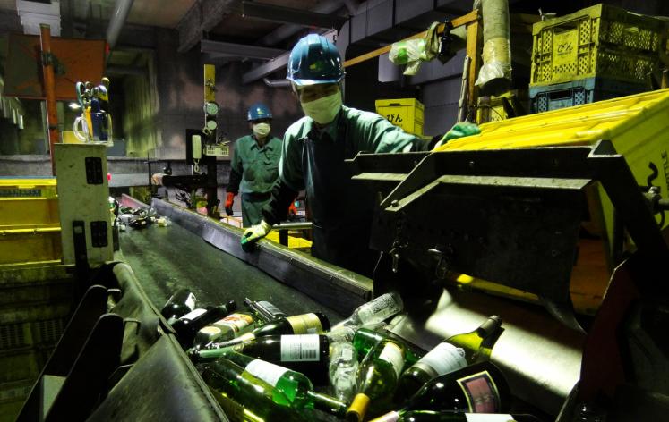 中国为保护环境停止进口废塑料  日本回收再利用行动范围扩大!