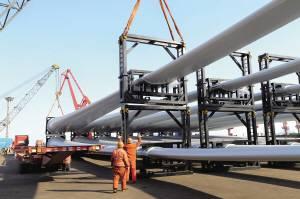 48套国产风电设备在江苏省连云港出口澳大利亚