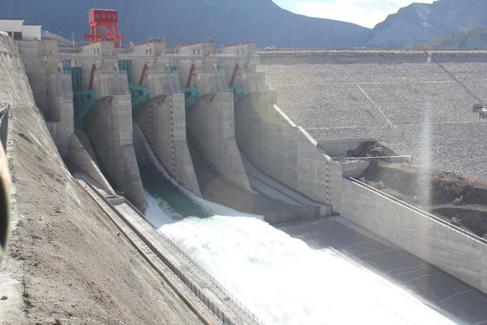 常见的水电站生态泄流设施有哪几种?