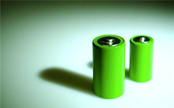 固态电池将成为三元电池颠覆者!2025年前实现400Wh/Kg