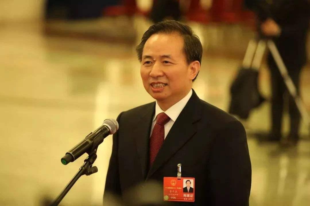 """生态环境部部长李干杰在两会上就""""打好污染防治攻坚战""""相关问题答记者"""