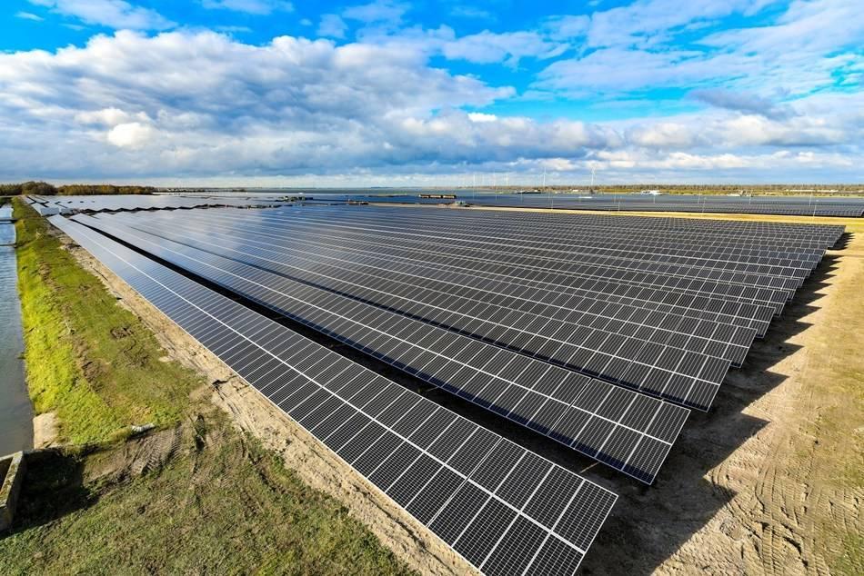 尚德27MW高效组件全线投入壳牌首个光伏项目—— Moerdijk 太阳能公园
