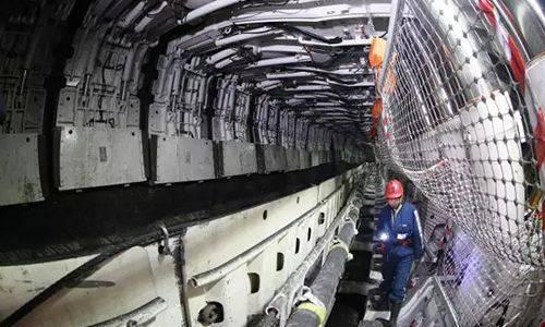 同煤集团1500万吨级煤层智能化综采工作面实现安全高效