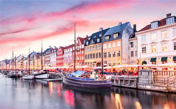 """丹麥政府對能源需求的""""軟控制""""和對節能技術的""""軟驅動""""實現現代化區域能源體系"""