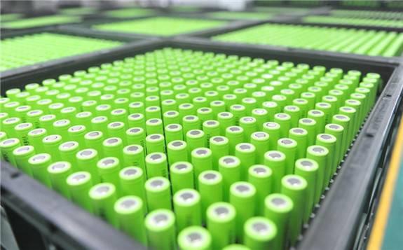 2018年动力电池行业机遇与挑战并存,电池企业几家欢喜几家愁