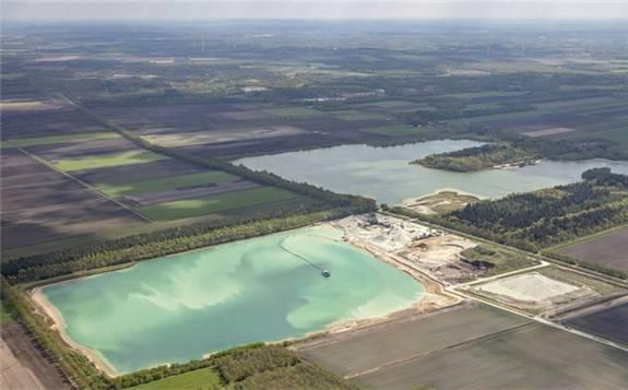 荷兰拟在采砂场建欧洲最大浮式太阳能项目