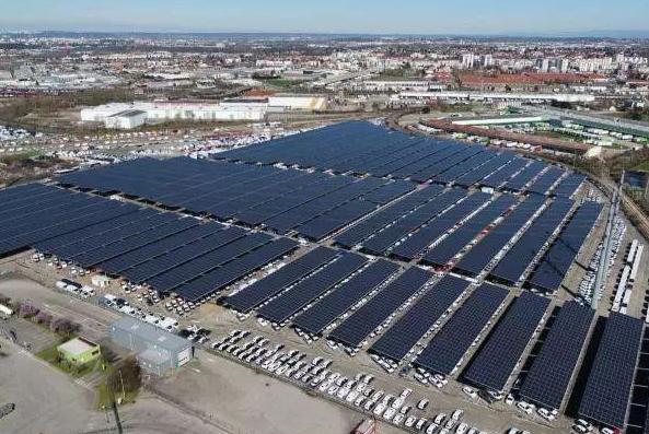 法国科尔巴斯停车场安装16.3兆瓦最大太阳能车库