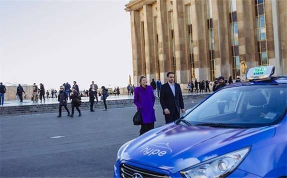 100辆氢燃料电池出租车正行驶在巴黎的街头