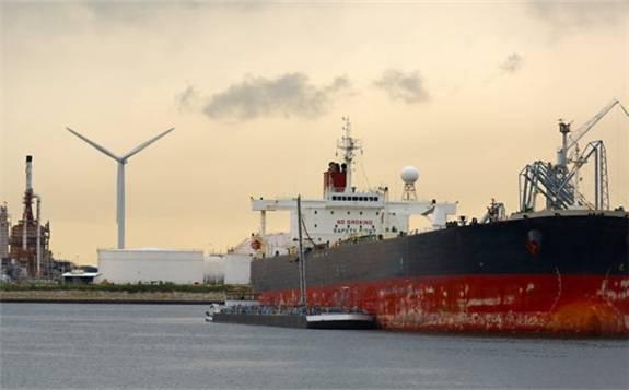 因美国施加的压力影响, 西班牙雷普索尔将暂停委内瑞拉石油产品互换交易