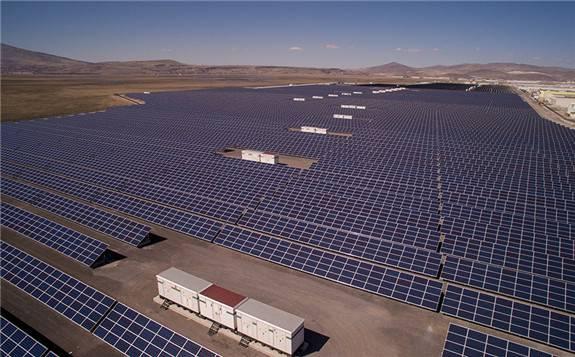 HUAWEI智能光伏解决方案优势明显 助力印度300MW光伏电站顺利并网