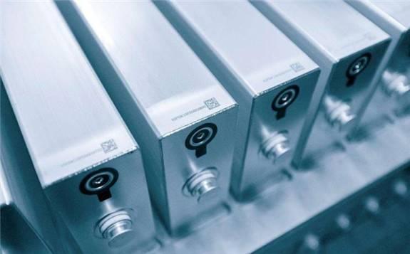 英国大学率先制造出由晶体磷构成的柔性纳米带实现快充提高电池容量