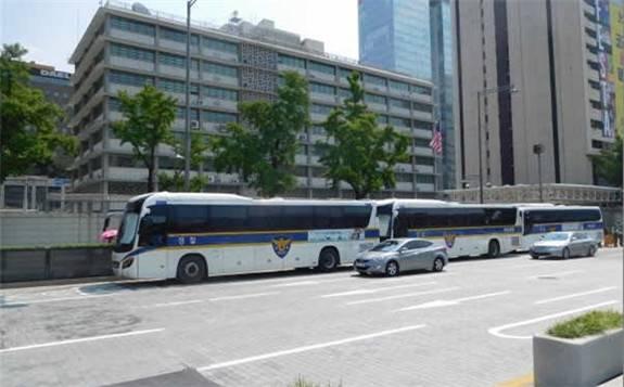 韩国总理提议使用氢燃料电池驱动的大巴取代柴油驱动警车