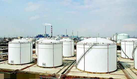 波兰动用80万吨原油储备应对俄罗斯跨国输油管道污染事件