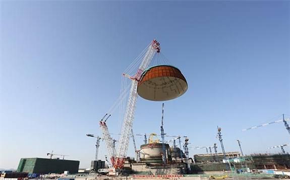 中国核建承建全球单体最大容量低温乙烷罐成功升顶