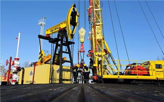 莫斯科终于达到了OPEC+协议的上限,因德鲁日巴输油管道因污染问题而减产