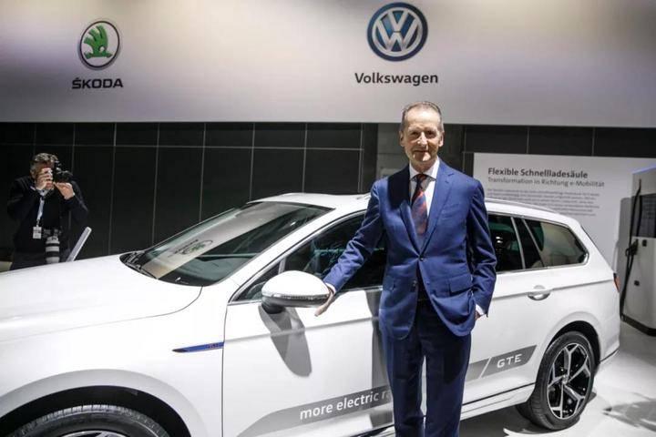 汽车行业正处于根本性的变革,汽车巨头们纷纷发力发展动力电池