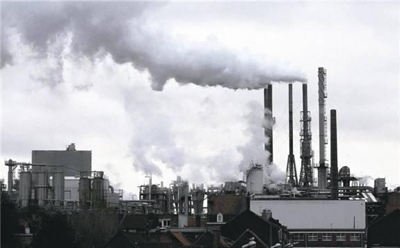 各能源发电碳排放比较:核电的全生命周期碳排放是陆地风电的9-37倍!