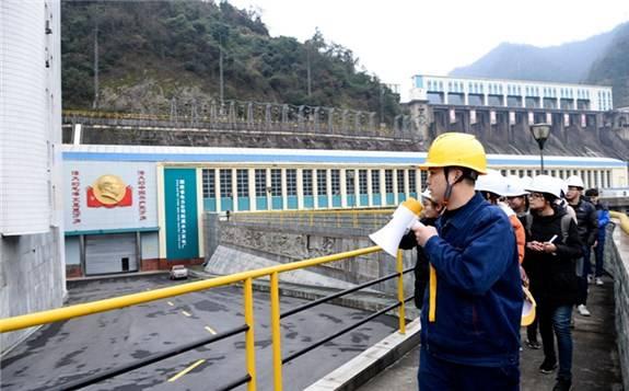 东方 电气对湖南柘溪水电厂4台机组进行增容改造