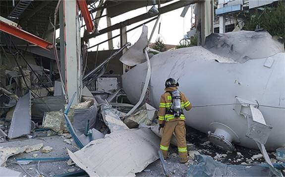 韩国一工厂氢气罐爆炸:造成2人死亡、4人受伤