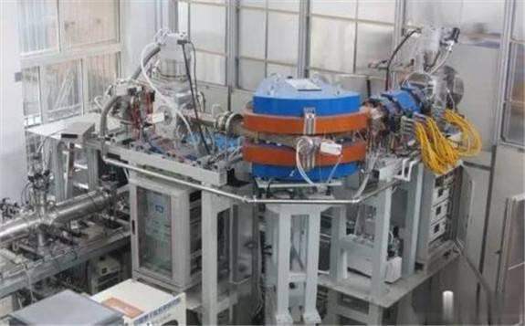 """国之重器再添""""新成员"""":中核集团原子能院自主研制的强流高压型加速器通过验收"""