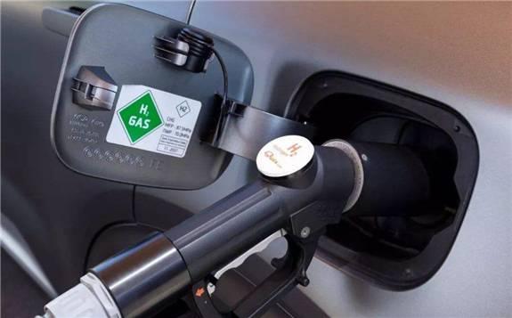 燃料电池汽车对车载供氢系统有多方面的要求