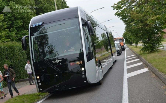 """Fébus""巴士亮相布鲁塞尔街头"