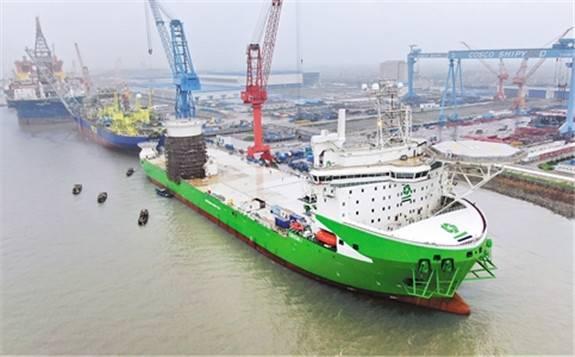 全球最大起重能力、最先进风电安装船N829出海试航
