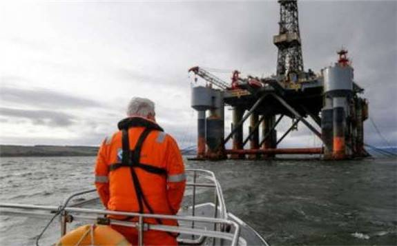 外媒:页岩油革命使美国不再依赖霍尔木兹海峡进口