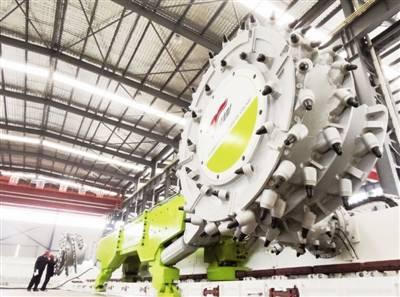 河南省首个智能化采煤工作面在平煤运行