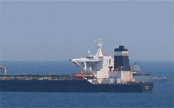 英国政府指认伊朗船只在海湾拦截一艘英国油轮,伊朗方面予以否认