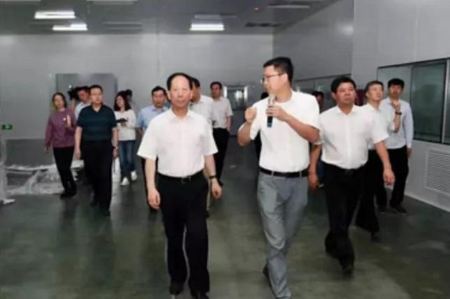 宁夏自治区党委书记、人大常委会主任石泰峰调研隆基股份