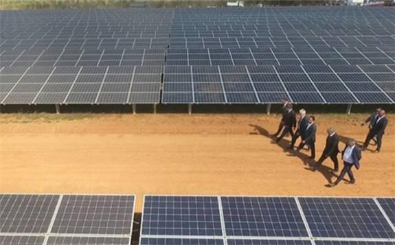 西门子企业计划在几内亚投资建设太阳能发电站