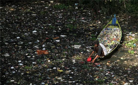 印尼政府:今年将建造焚烧设施,解决垃圾危机
