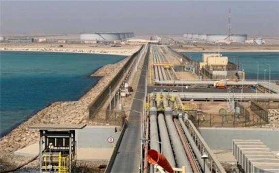 """伊朗的原油仍在继续运往中国,并被存入所谓的""""保税仓库"""""""