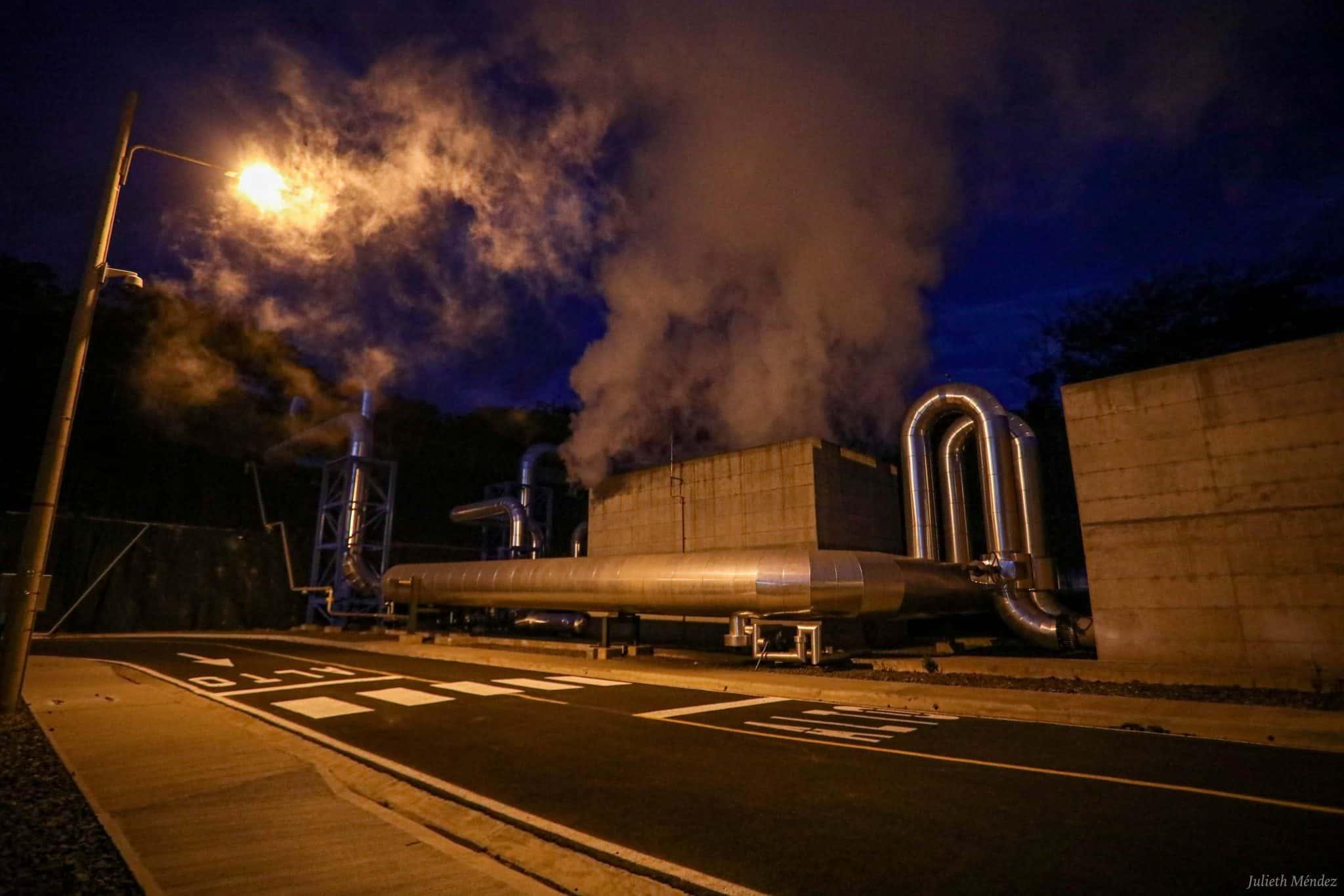 哥斯达黎加CurubandédeLiberia地热发电厂二期机组投入运营