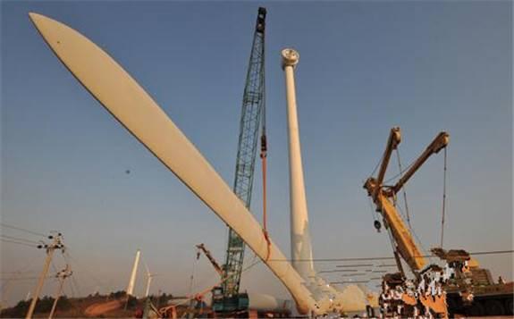 """中国电建核电公司在建""""最高""""风电机组吊装完成"""