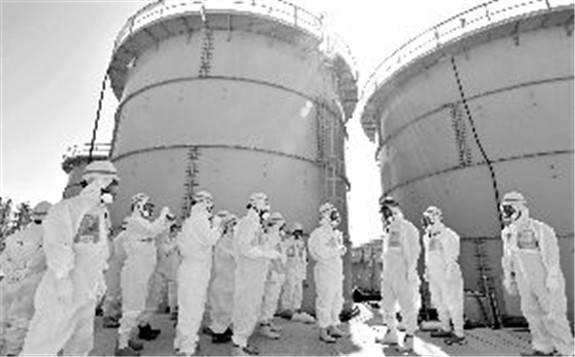 8月1日 开始拆除福岛第一核电站1、2号机组的共用烟囱上半段
