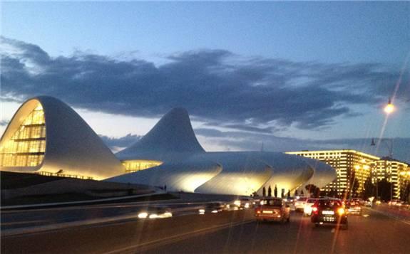 阿塞拜疆已从电力进口国转变为电力出口国