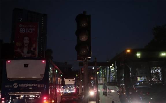 印尼遭遇大规模停电 据估计超过3000万人受影响