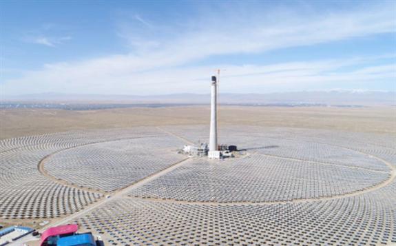 """中电建核槽式光热电站 研究独特的""""追日""""技术联控模拟太阳运动关键数据"""