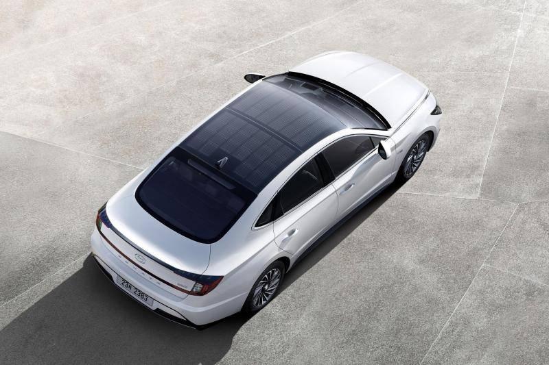 现代首款太阳能充电顶盖车型Sonata Hybrid在韩国上市