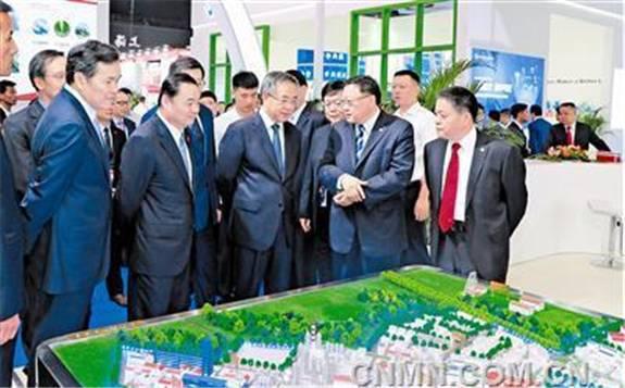 国华投资吉黑公司与乾安县人民政府签订20万千瓦新能源项目合作框架协议书