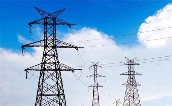 下半年我国电力供需总体平衡,预计全年全社会用电量同比增长5.5%左右